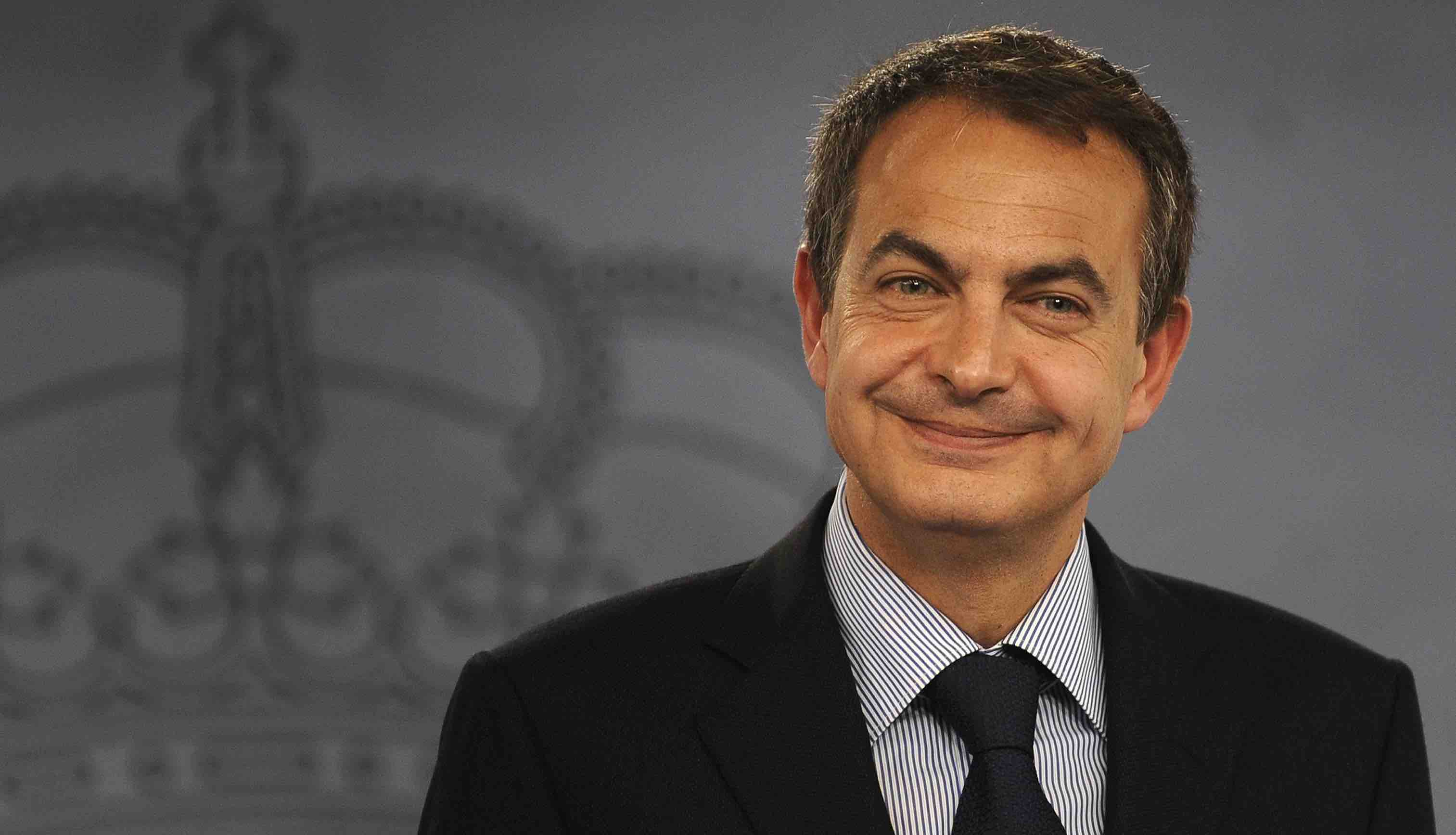 Spanish Prime Minister Jose Luis Rodriguez Zapatero gives a press conference to discuss Spain's end of year assessment at the Moncloa palace in Madrid on December 26, 2008. AFP PHOTO/Pedro ARMESTRE
